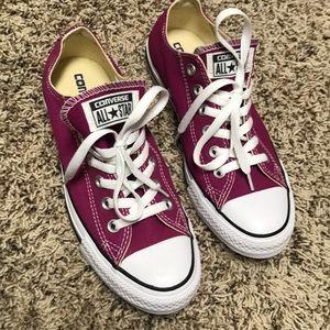 Women's converse shoes. Size 8. Never worn